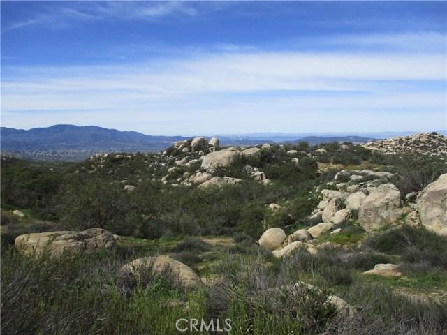 991 Crazy Horse Canyon Road, Aguanga CA: http://media.crmls.org/medias/d5aad7ca-61ef-4952-9cef-eb69f6b3f79d.jpg