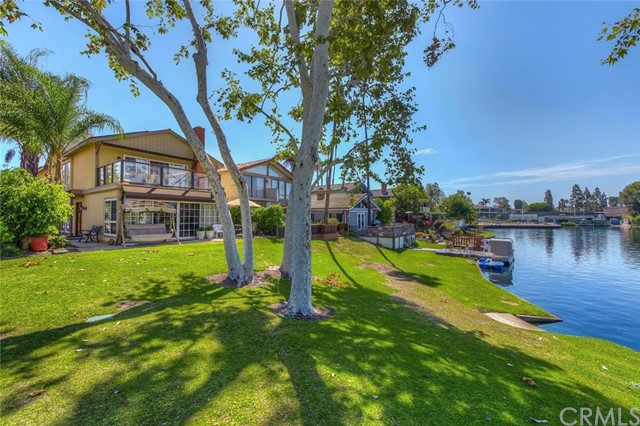 Single Family Home for Sale at 22802 Islamare Lake Forest, California 92630 United States