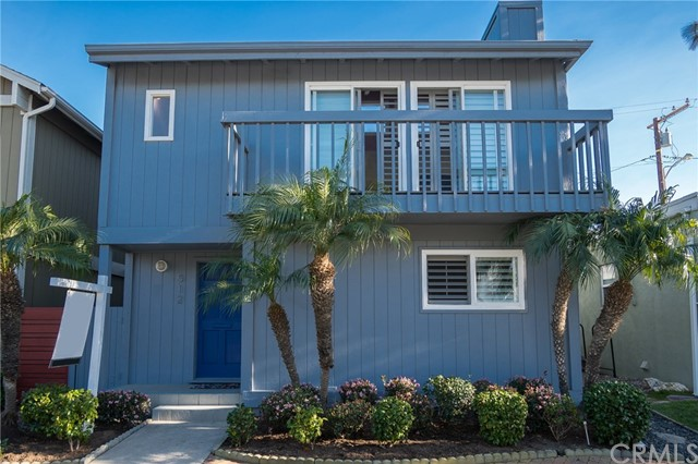 512 Longfellow Avenue, Hermosa Beach, CA 90254