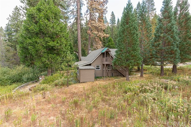 Detail Gallery Image 1 of 56 For 1251 Cedar, Fish Camp, CA 93623 - 4 Beds | 2/1 Baths