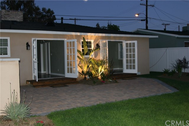 2219 Santa Ana Avenue Costa Mesa, CA 92627 - MLS #: PW17185801