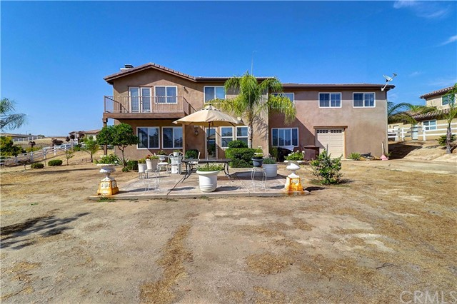 17197 Birch Hill Road, Riverside CA: http://media.crmls.org/medias/d5e0b871-98af-4fba-85bf-fb9c3c8b4590.jpg