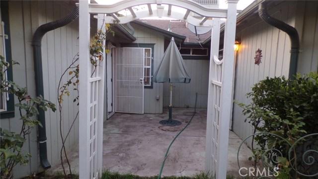 1230 Lewis Street, Delano CA: http://media.crmls.org/medias/d5e13291-6113-40b9-8458-a0dd76cc87a6.jpg