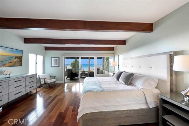1040 La Mirada Street, Laguna Beach CA: http://media.crmls.org/medias/d5e8cadf-6996-4a74-87bc-074c913e8a5a.jpg