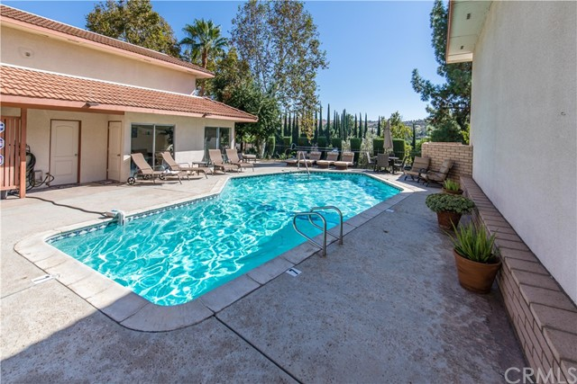 1040 Central Avenue Unit 10 Riverside, CA 92507 - MLS #: OC17234278