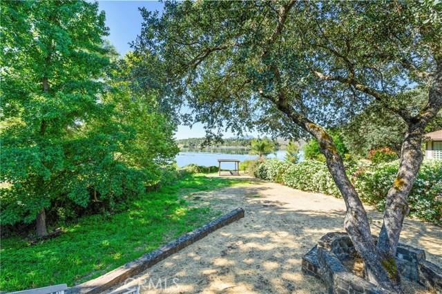 18563 North Shore Drive, Hidden Valley Lake CA: http://media.crmls.org/medias/d5f72c1d-4133-4022-884d-8389d4fdbdfd.jpg