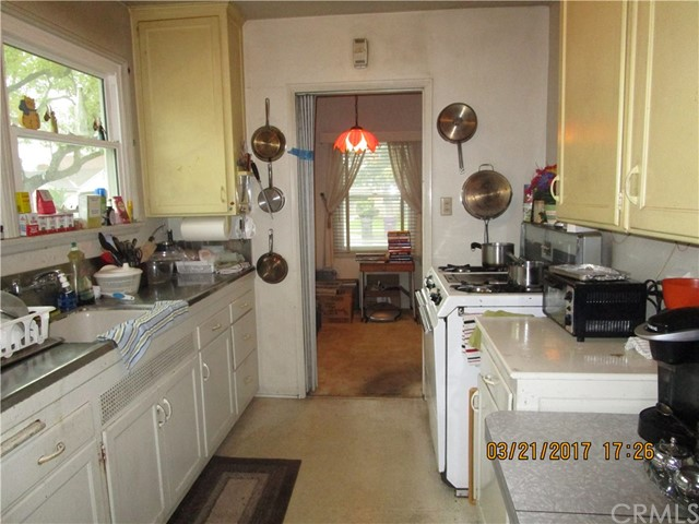 Single Family Home for Sale at 3448 Fidler Avenue Long Beach, California 90808 United States