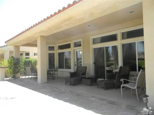 78260 Willowrich Drive, Palm Desert CA: http://media.crmls.org/medias/d5fbf7d8-526f-4e61-bb23-27c80c35d137.jpg