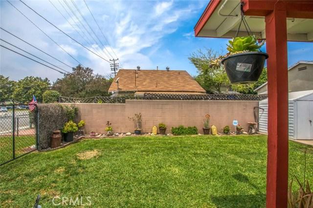 178 W 1st Street, Rialto CA: http://media.crmls.org/medias/d5ff0234-b32d-45db-8379-f00695b1b9f2.jpg