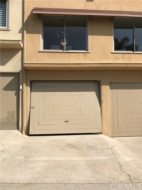 4529 E Shaw Street, Long Beach CA: http://media.crmls.org/medias/d6072078-2d8c-416e-acdc-9814686639ed.jpg