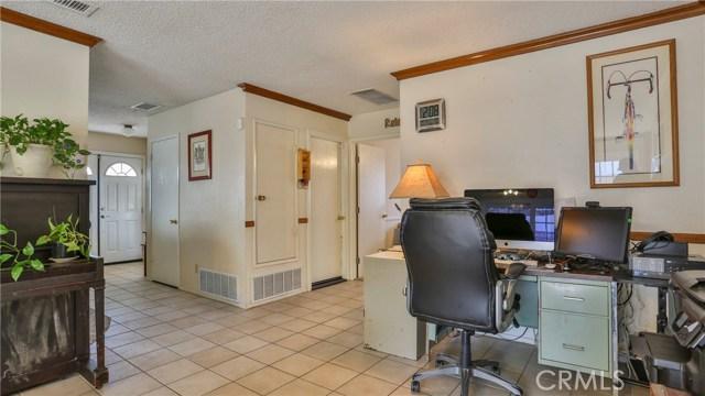 1322 Lanfair Street, Redlands CA: http://media.crmls.org/medias/d6206771-4f50-4bb3-86b9-1d0d999553e8.jpg