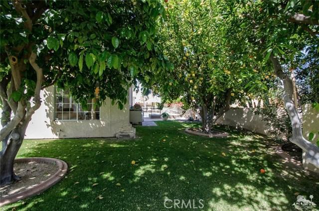 48870 View Drive, Palm Desert CA: http://media.crmls.org/medias/d6262ff8-67ab-450c-a863-f0ef37e92808.jpg