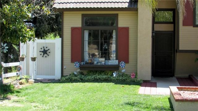 26033 Summer Hill Court, Murrieta CA: http://media.crmls.org/medias/d6263778-fbe1-412e-8622-c57871332c86.jpg