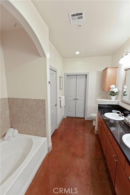 840 E Green Street, Pasadena CA: http://media.crmls.org/medias/d62b8154-89ed-4344-afd7-fb3e6d61ab33.jpg