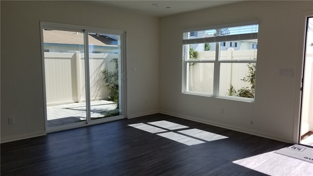 306 W Quadrilateral Wy, Anaheim, CA 92802 Photo 3