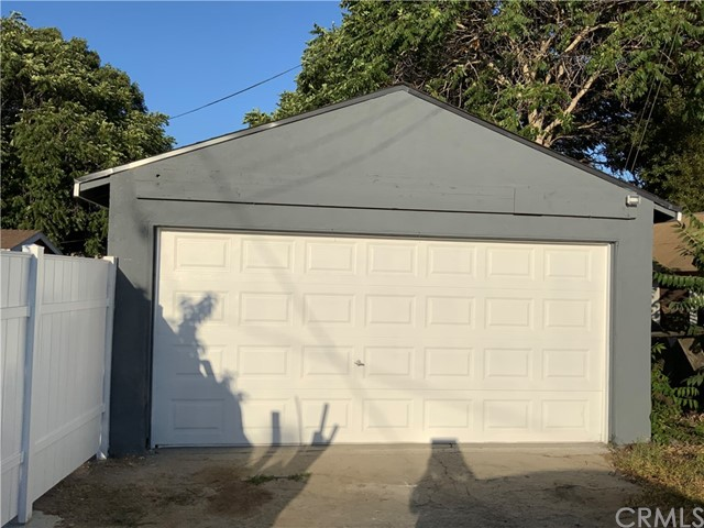 440 E 121st Street, Los Angeles CA: http://media.crmls.org/medias/d642da0d-ead2-484e-b8ac-faecdc4232d7.jpg