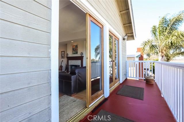 1802 Harper Avenue, Redondo Beach CA: http://media.crmls.org/medias/d64c418c-94f9-41c8-9599-6ccf39b9dd43.jpg