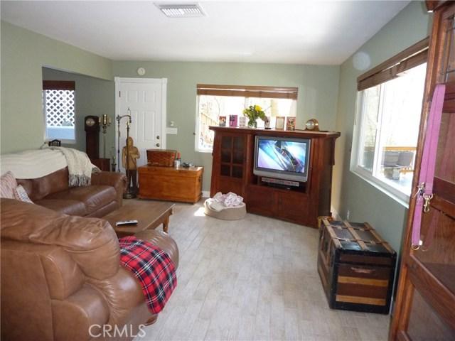 Casa Unifamiliar por un Venta en 5960 Tripp Lane Angelus Oaks, California 92305 Estados Unidos