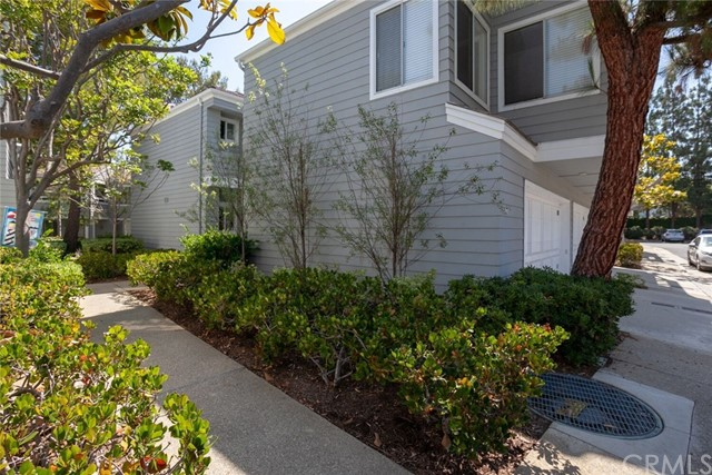 106 Hartford Drive, Newport Beach CA: http://media.crmls.org/medias/d658208b-788b-435e-8b46-208f60f8ad9e.jpg