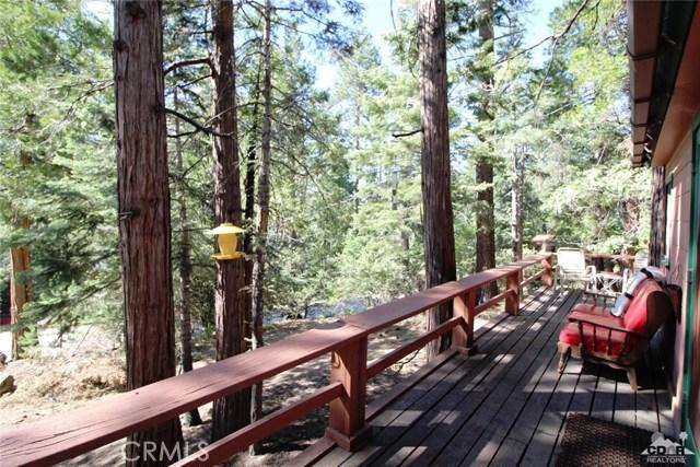 52761 Pine Ridge Road, Idyllwild CA: http://media.crmls.org/medias/d65da001-16a3-4804-b7dc-35295d69bb2c.jpg