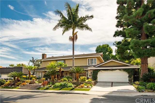 Photo of 6370 E Bixby Hill Road, Long Beach, CA 90815