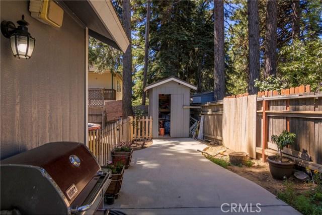 31187 All View Drive, Running Springs CA: http://media.crmls.org/medias/d66b63ed-e087-4e65-8d61-98b2322cf75b.jpg