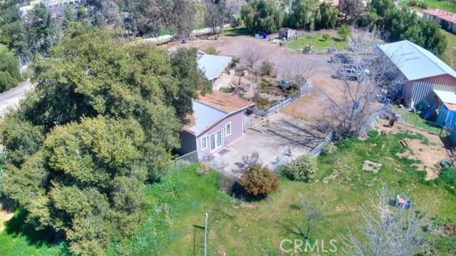 33385 Oak Glen Road, Yucaipa CA: http://media.crmls.org/medias/d6798afb-f6b6-4dc8-85e5-f9a335aa1e2c.jpg