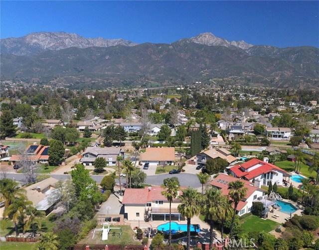 9573 Golden Street, Alta Loma CA: http://media.crmls.org/medias/d681dce9-ad29-42da-a265-c303e3458dc6.jpg