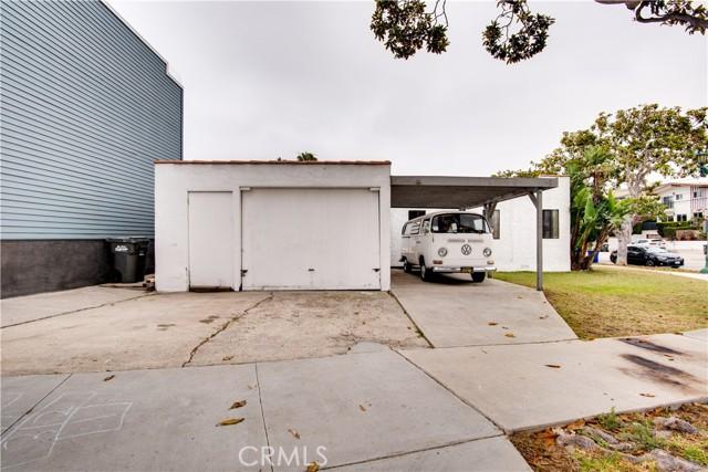 703 -705 El Redondo Avenue, Redondo Beach CA: http://media.crmls.org/medias/d68f0041-d737-4a53-bbca-24657a8a5ff2.jpg
