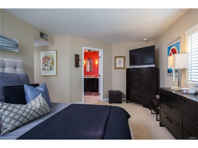 Photo of  Newport Beach, CA 92663 MLS NP17033209