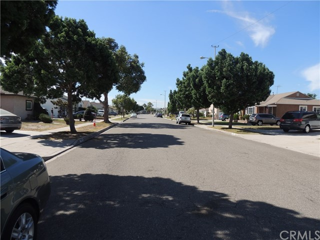 15502 Crossdale Avenue, Norwalk CA: http://media.crmls.org/medias/d69277ea-273a-47d7-9cb6-2939039cd3d4.jpg