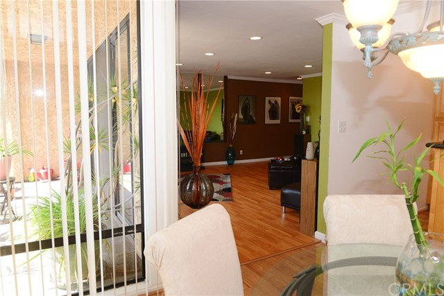 3511 Elm Avenue, Long Beach CA: http://media.crmls.org/medias/d699b109-13e3-47e9-84de-b8727a650afd.jpg
