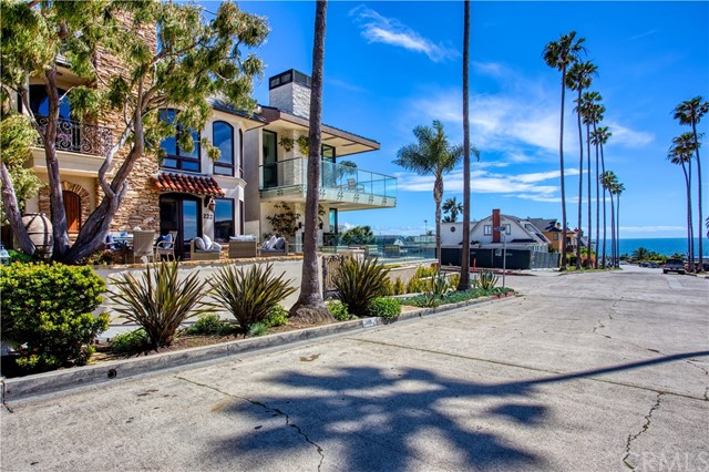 Photo of 222 Goldenrod Avenue, Corona del Mar, CA 92625