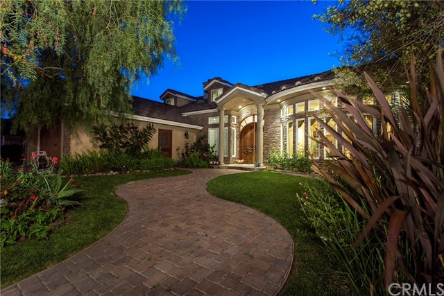 Single Family Home for Sale at 11801 Kensington Road Rossmoor, California 90720 United States