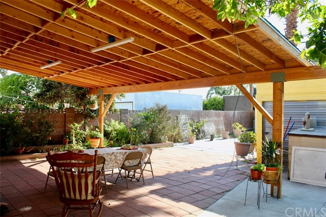 3883 3rd Av, Los Angeles, CA 90008 Photo 3