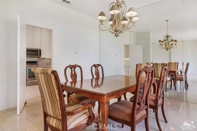 47043 Arcadia Lane, Palm Desert CA: http://media.crmls.org/medias/d6c17934-8b88-4bee-9a7e-dcd53e9fe835.jpg