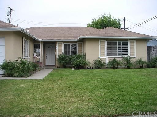 15611 Mayflower Lane, Huntington Beach CA: http://media.crmls.org/medias/d6c30e06-6d1a-45d3-94c2-67eada3508eb.jpg