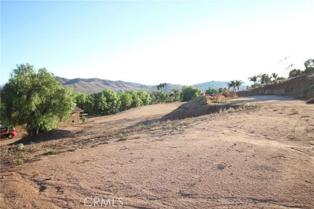 3791 Scenic Drive, Riverside CA: http://media.crmls.org/medias/d6c8dfb3-7638-4430-af1b-89898b7140b3.jpg