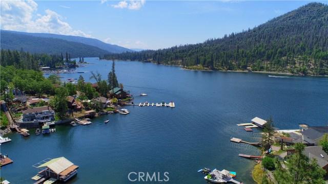 39339 Blue Jay Drive, Bass Lake CA: http://media.crmls.org/medias/d6dbfe32-6574-4fe0-b642-c62526a86682.jpg