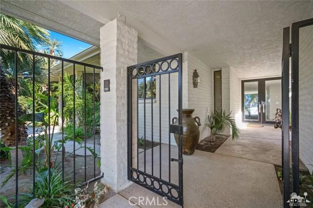 4 Exeter Court, Rancho Mirage CA: http://media.crmls.org/medias/d6e93c5f-f12a-4f4c-9ee2-34f85329665e.jpg