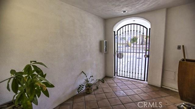 238 Avenida Montalvo, San Clemente CA: http://media.crmls.org/medias/d6edbe64-8abf-43fc-b9bc-a66a27915777.jpg