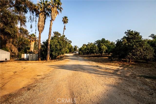 7660 Whitegate Avenue, Riverside CA: http://media.crmls.org/medias/d6f4d836-31de-4a11-9598-de4fa555a427.jpg