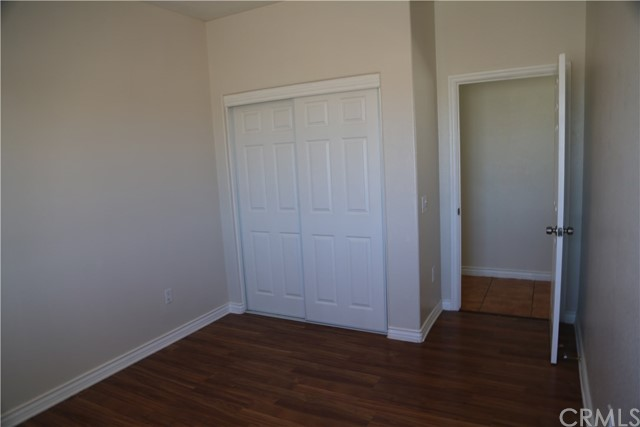 14794 Columbine Street, Victorville CA: http://media.crmls.org/medias/d6f64eaa-6290-493a-9dcf-089e3321ea5f.jpg