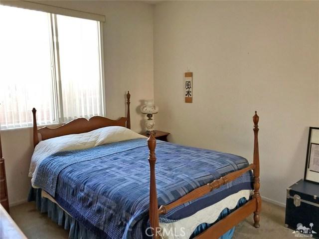 81356 Avenida Romero, Indio CA: http://media.crmls.org/medias/d6fb120d-5d35-4909-a1cd-81341e2f55c9.jpg