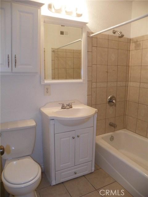 2330 W Harvard Street, Santa Ana CA: http://media.crmls.org/medias/d706037f-cef5-468f-aeaf-8593cd92b331.jpg