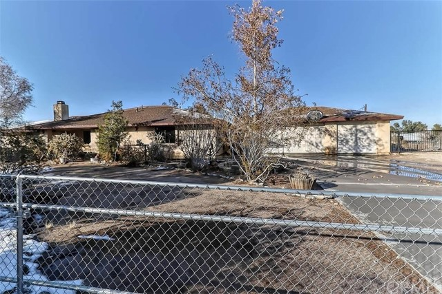 Detail Gallery Image 1 of 1 For 14270 Maricopa Rd, Victorville,  CA 92392 - 4 Beds   2 Baths