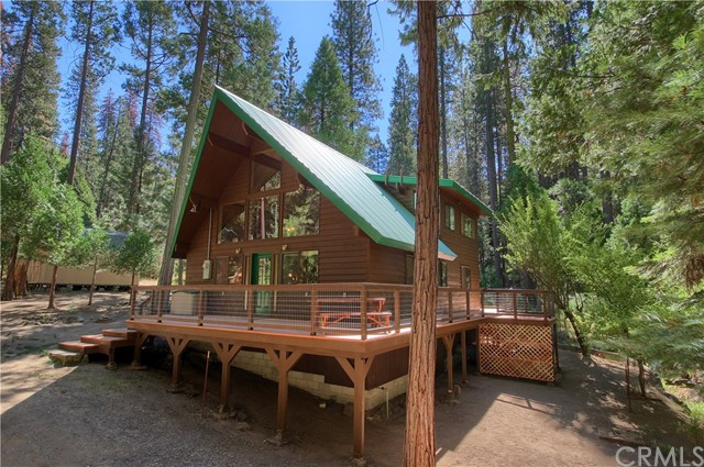 Single Family Home for Sale at 7976 Koon Hollar Wawona, California 95389 United States
