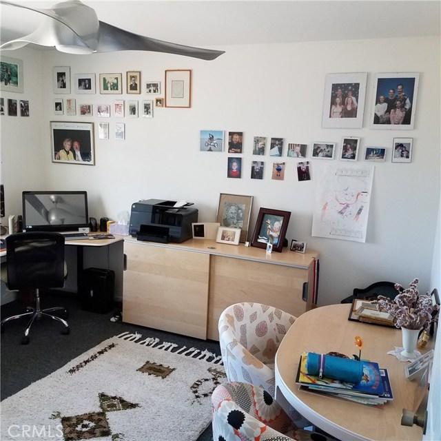 134 N Inez Avenue, Landers CA: http://media.crmls.org/medias/d7192711-78ae-4785-8cd8-698c35f8b759.jpg