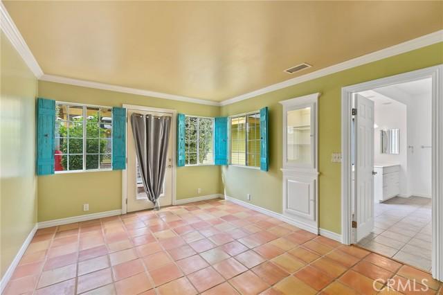 324 W Kendall Street, Corona CA: http://media.crmls.org/medias/d721aee6-6cae-466d-bb1b-6b2f0ff6b342.jpg