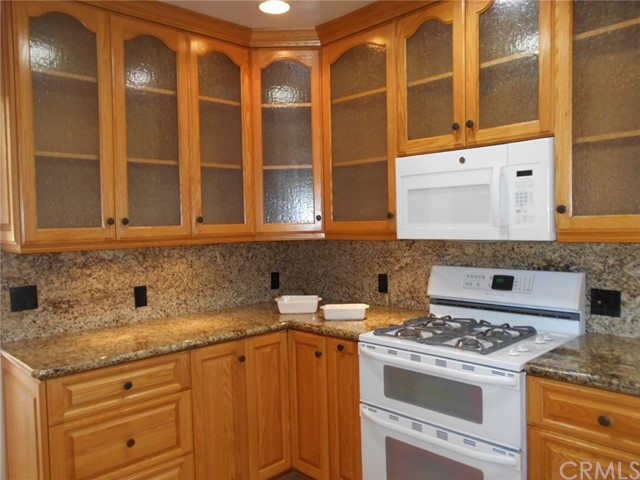 23115 Huber Avenue, Torrance CA: http://media.crmls.org/medias/d72c54eb-2b9f-4edc-a4e5-e7e6e2bcaf5e.jpg